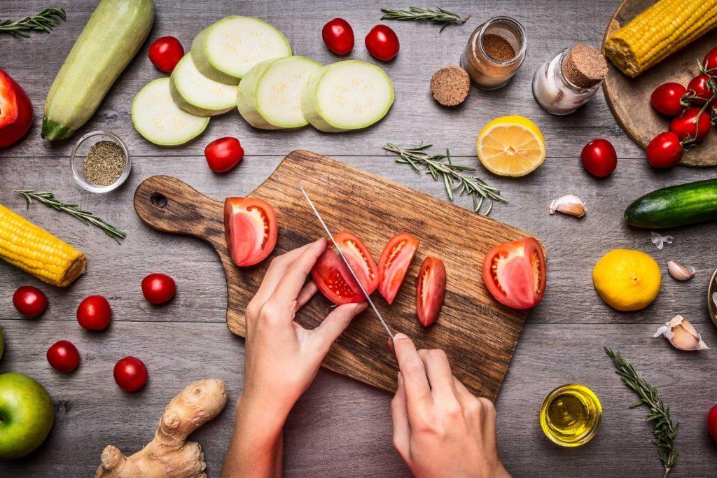 01 vegan diet plant based diet 1024x683 - Lista vegani famosi