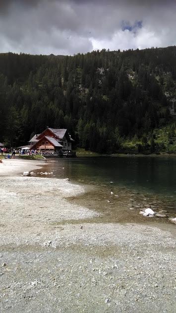 rifugio nambino - Val Nambino e il suo rifugio sulla riva del lago - rubrica-il-paese-visto-da-unanimalista-